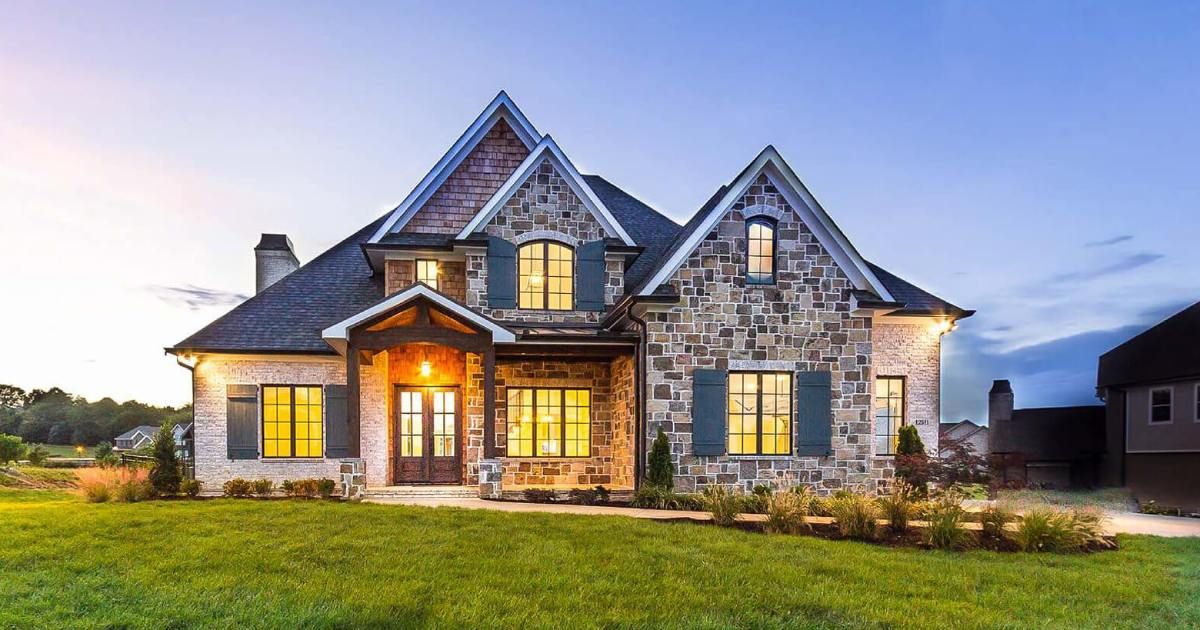 How to Choose a Custom Home Builder | Our Own Startup